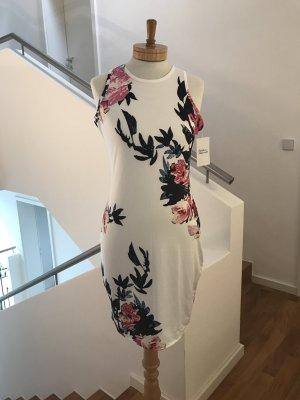 SALE!!! * LETZTER PREIS!!! * Traumhaft schönes Sommerkleid * leicht * figurbetont * florales Muster
