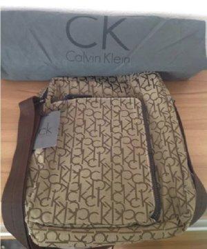 SALE Originale Calvin Klein Tasche Messenger Bag Neu mit Etikett und Staubbeutel