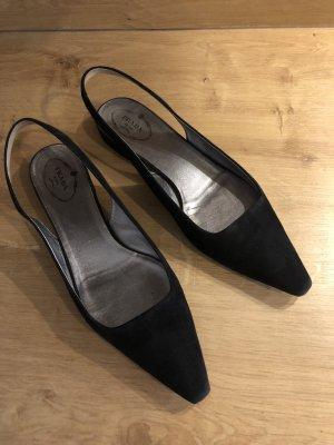 Sale: Prada Sandalen in schwarz 40