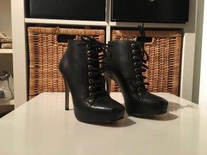 SALE!! Schwarze neue Schnürstiefeletten von Buffalo