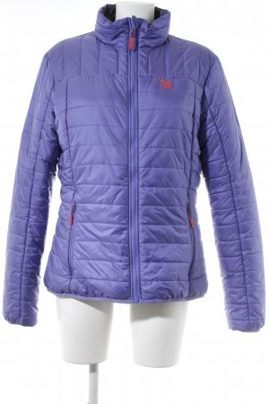 Salewa Steppjacke flieder Steppmuster Street-Fashion-Look