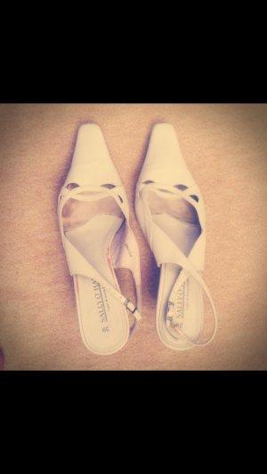 Sally O'Hara Lage schoenen wit Leer