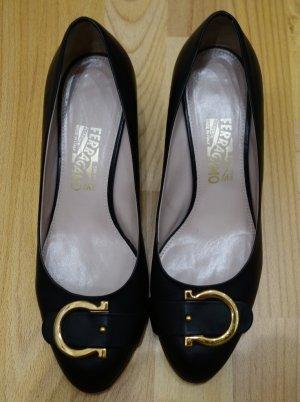 Salvatore Ferragamo Designer Pumps Schuhe Gr. 40 Echleder goldene Zierschnalle