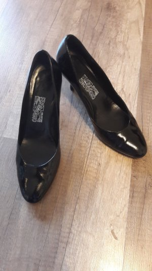 Salvatore Ferragamo Highheels Pumps Kittenheels Lack Patent 40