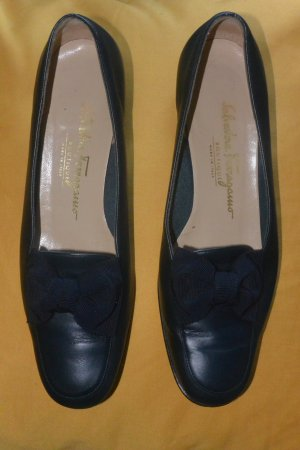 SALVATORE FERRAGAMO, Luxus Schuhe, Elegante Pumps mit Schleife
