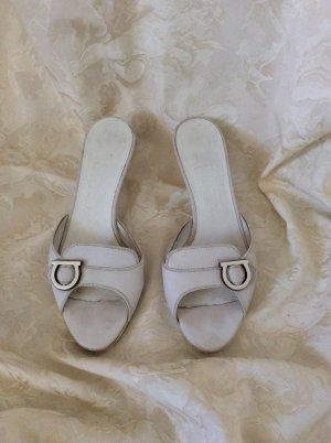 Salvatore Ferragamo Pantoletten, weiß, innen und aussen Leder, gebraucht Größe 40