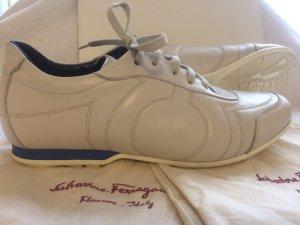 Salvatore Ferragamo Sneakers aus Leder, Gr.5,5 (38,5-39), Hellbeige