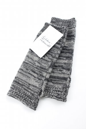 Samaya Fingerless Gloves grey-taupe casual look