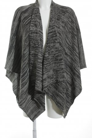 Samaya Poncho gris-taupe look casual