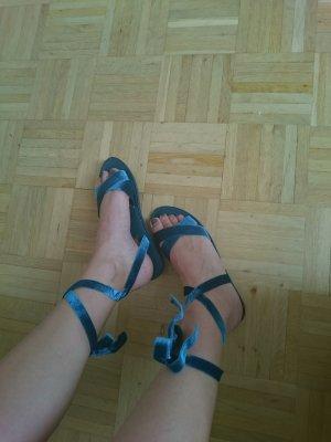 Samt Sandalen zum Wickeln