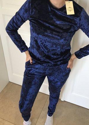 Tailleur bleu foncé