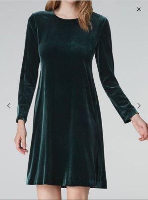 Samtkleid in A-Linie von Hallhuber smaragd Gr. 36 - überall ausverkauft!