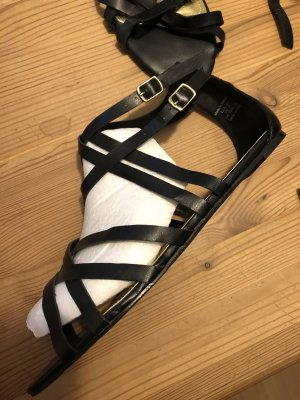 H&M Sandalias de tacón de tiras negro-color oro