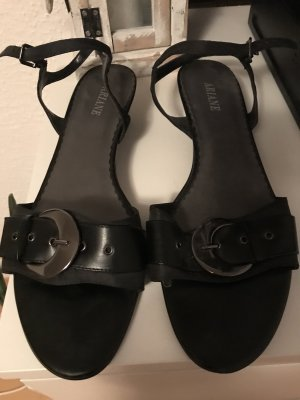 Arianne Strapped Sandals black