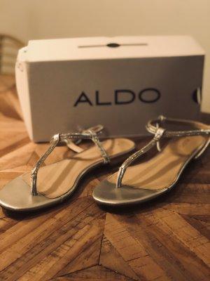 Aldo Sandalo toe-post argento