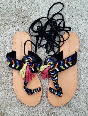 Sandale Antik Batik mit Perlenstickerei in 39