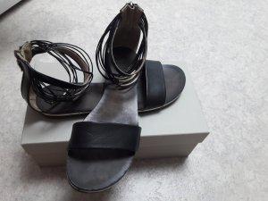Sandale mit Riemchen Janet & Janet