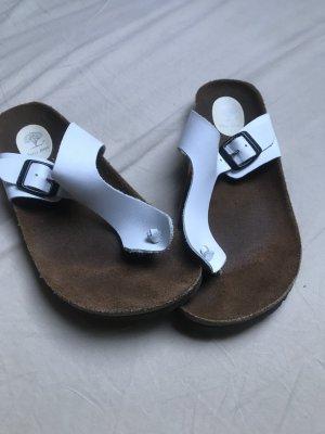 Sandalias con talón descubierto blanco-negro