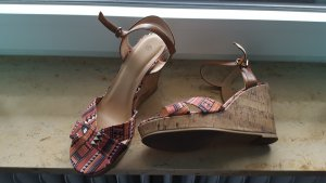 Sandalen met bandjes bruin
