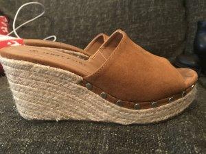 Espadrille Sandals cognac-coloured