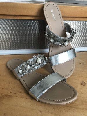 Graceland T-Strap Sandals white