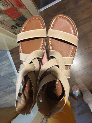 Romeinse sandalen beige