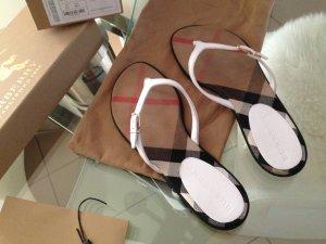 Sandalen aus House Check-Gewebe und Leder.Neuwertig