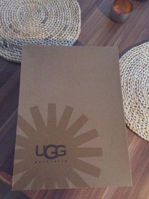 UGG Australia Espadrille Sandals red