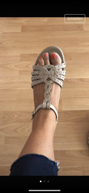 Ariane Sandalen licht beige