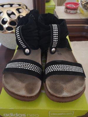 Sandalo con cinturino e tacco alto nero-argento