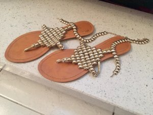Toe-Post sandals gold-colored