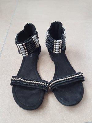 Graceland Strapped High-Heeled Sandals black