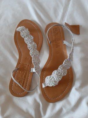 Sandalias de tacón con talón descubierto blanco