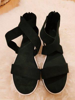 Sandalen für Sommer in schwarz