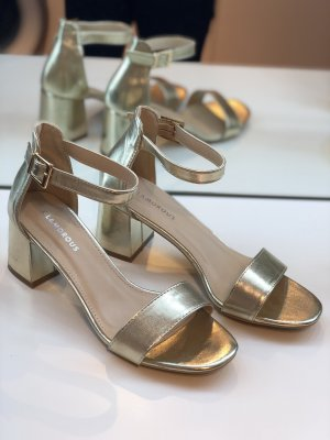 Glamorous Sandalias de tacón de tiras color oro