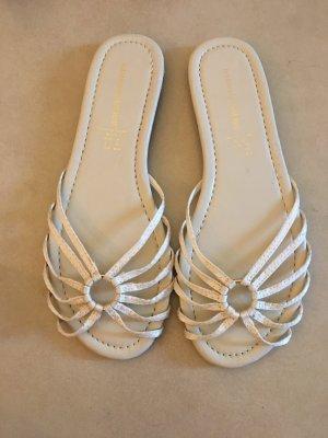 Sandalen met bandjes en hoge hakken room