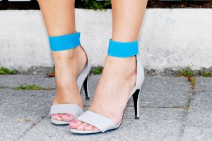 Sandalen High Heels in blau grau