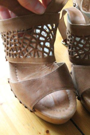 Sandales à plateforme beige