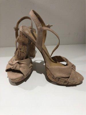 Sandalen in Beige in Größe 39