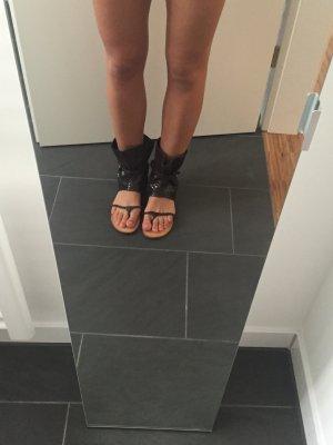 Sandalen in brauner Croco-Optik