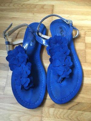 Sandalen in Königsblau mit Blumenoptik