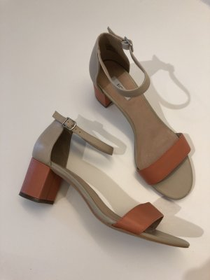 Sandalen in orange und beige