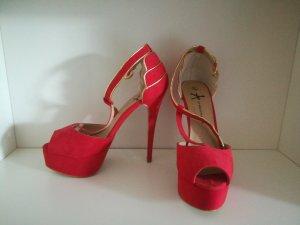 Sandalen in rot mit hohem Absatz