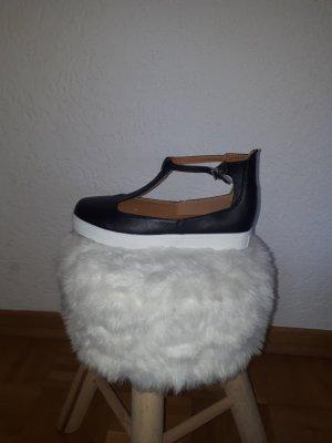 Sandalo alto con plateau nero