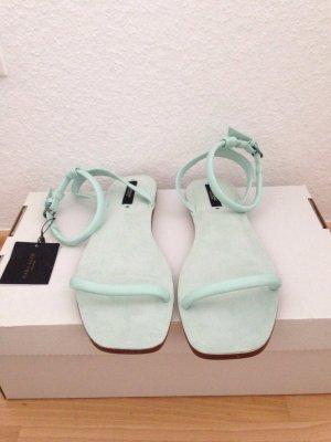 Sandalen in Türkis von Zara