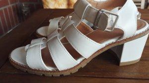 Sandalen in weiß