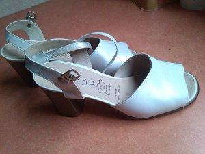 Sandalen in weiß, Gr. 39