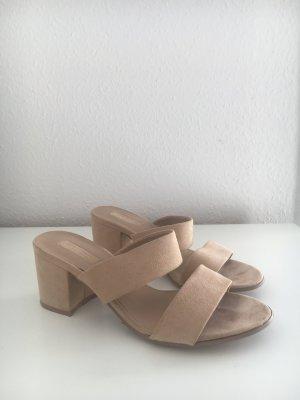 Sandalen in Wildlederoptik von Forever 21