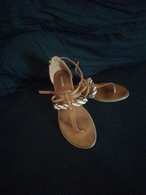 Sandalen - kaum getragen