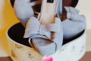 Sandalen Leder Grau einmal getragen 35-36